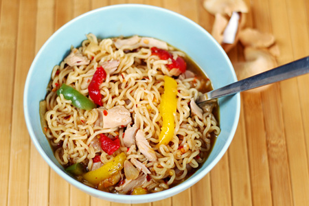 Dormet: Spicy Chicken Noodles
