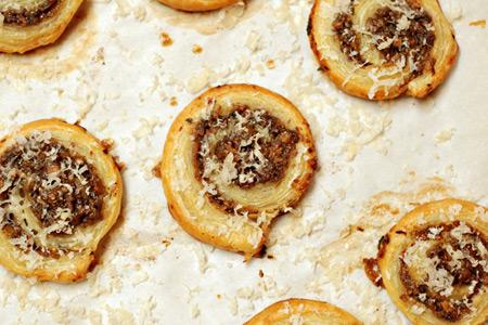 Mushroom-Ranch Pinwheels (via patiodaddiobbq.com)