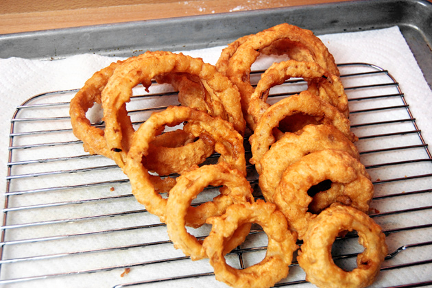 Recipe: Beer-Battered Onion Rings (pics) - The BBQ BRETHREN FORUMS.
