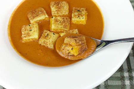 Spicy Tomato-Basil Soup with Grilled Cheese Croutons (via patiodaddiobbq.com)