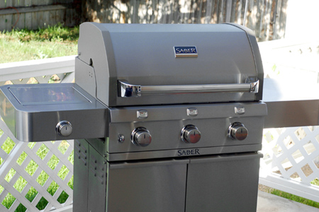Review: SABER® Infrared Gas Grill (via patiodaddiobbq.com)